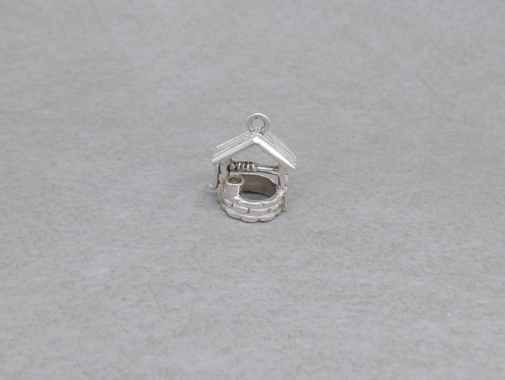 Vintage silver wishing well charm with bucket detail