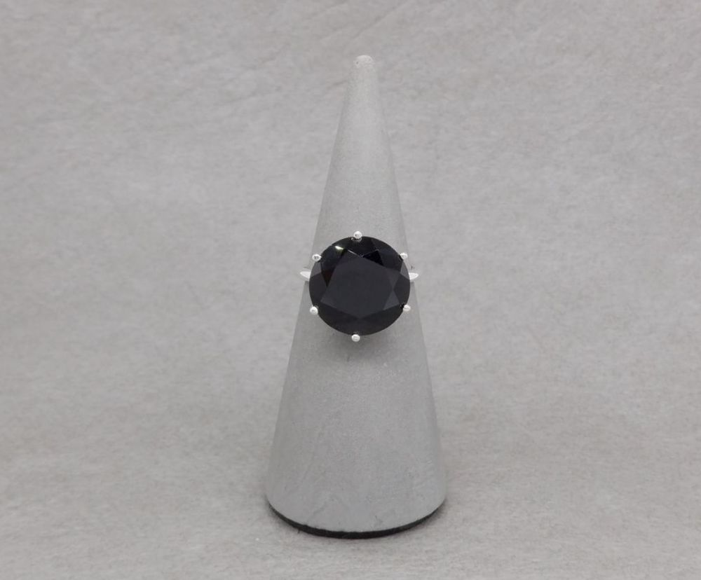 Proud set sterling silver & black spinel solitaire ring