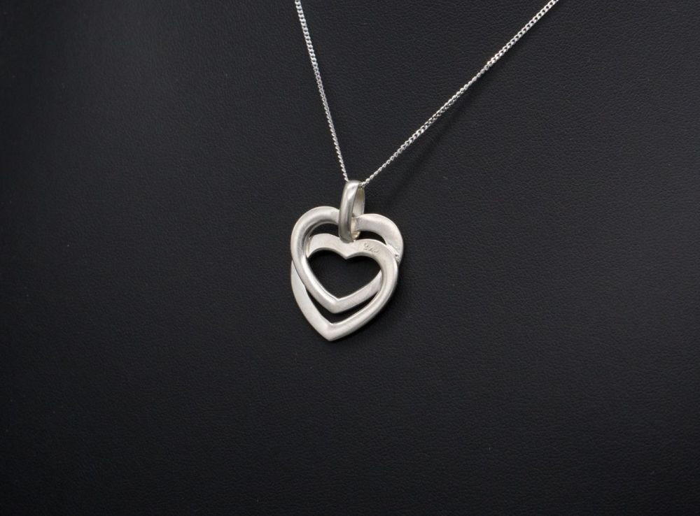 Sterling silver interlinked double heart necklace