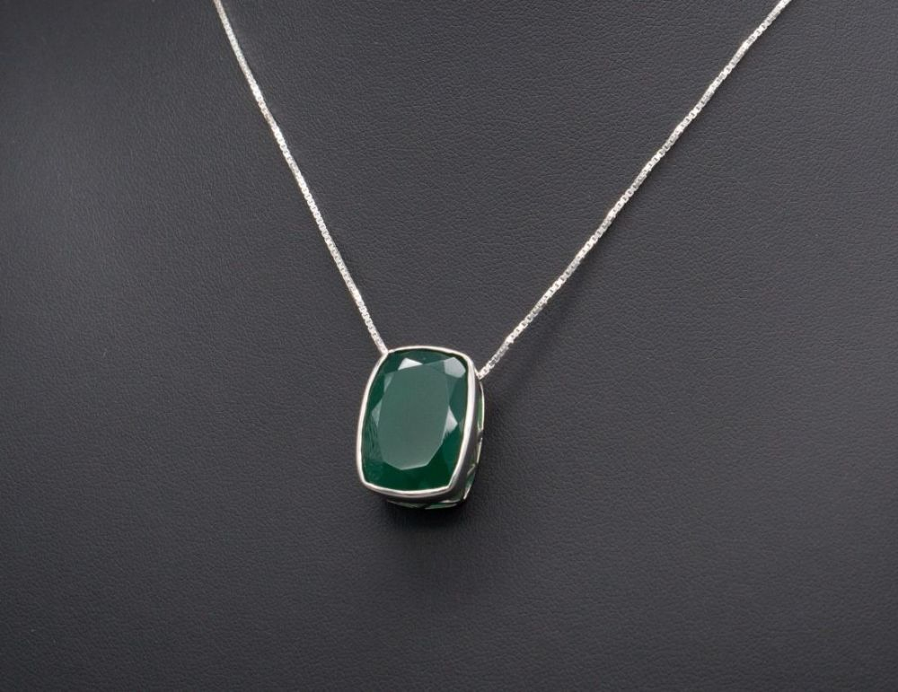 Chunky sterling silver & green onyx necklace