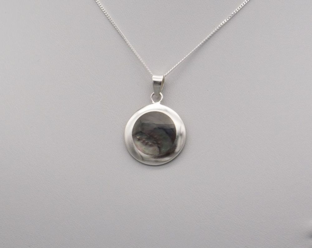 Sterling silver & abalone disc necklace