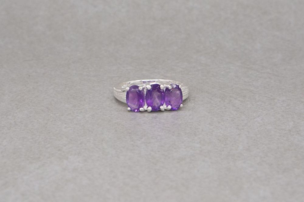 Sterling silver & amethyst trilogy ring