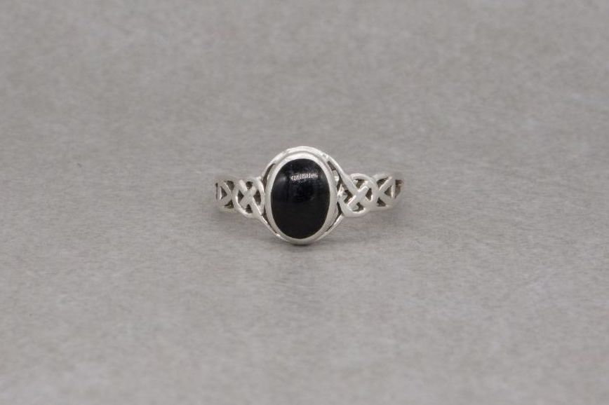 Sterling silver & black onyx ring with celtic shoulders