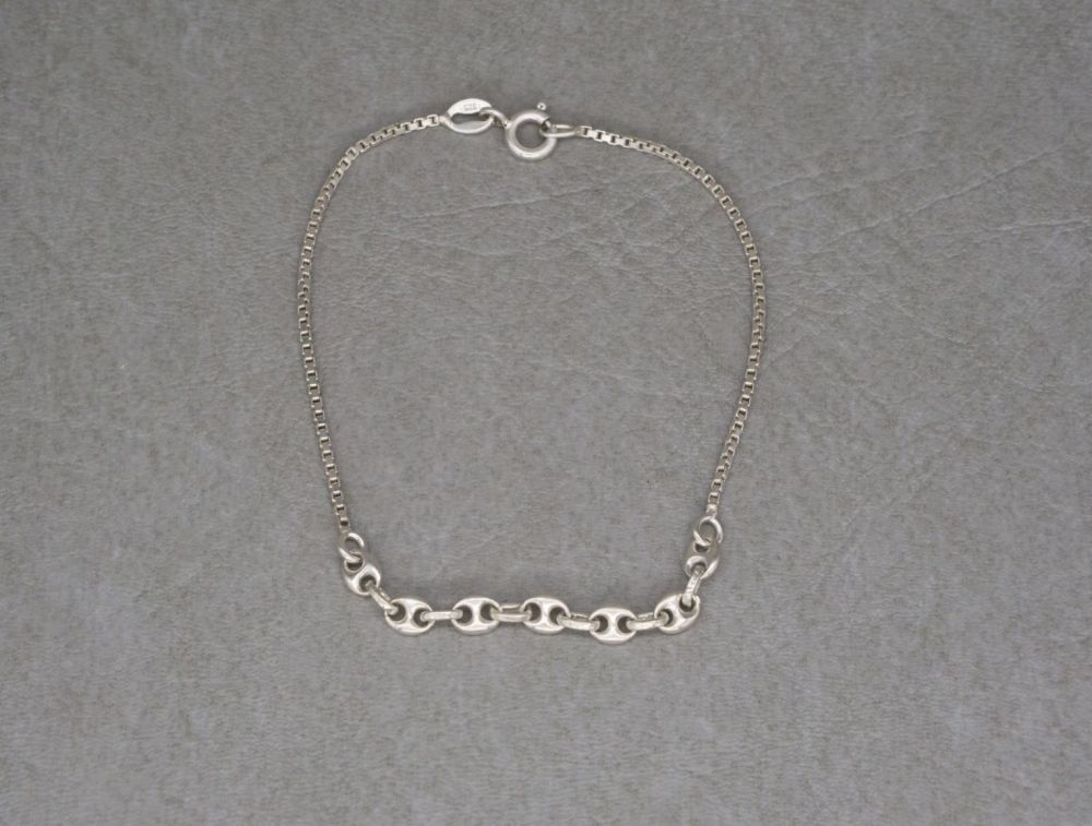 Unusual sterling silver chain bracelet
