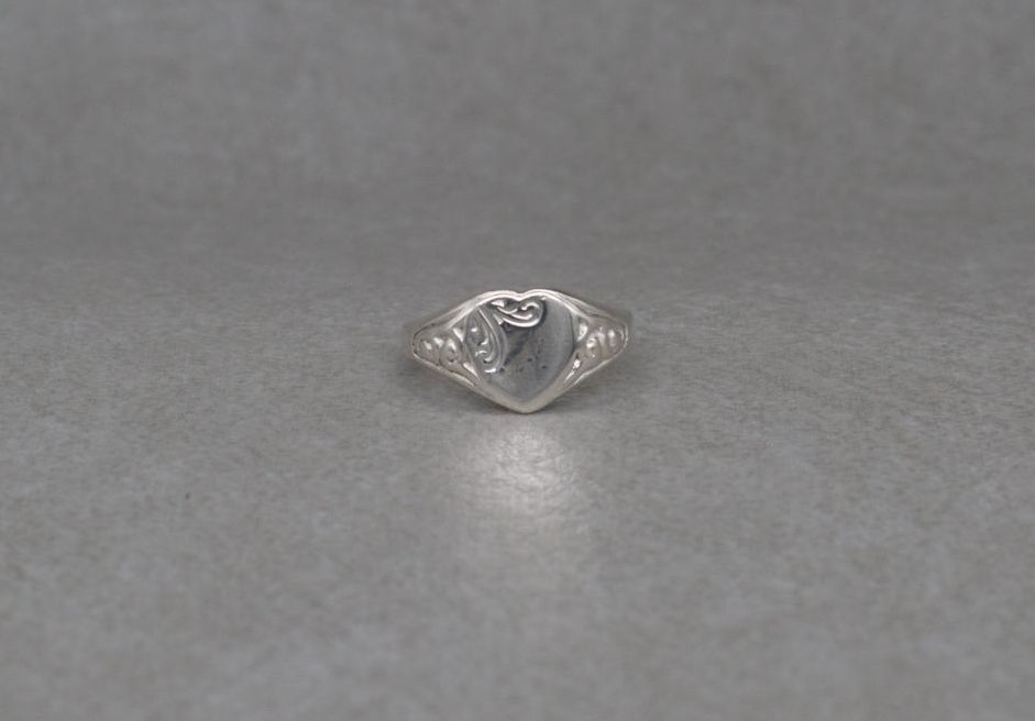 Vintage sterling silver heart signet ring