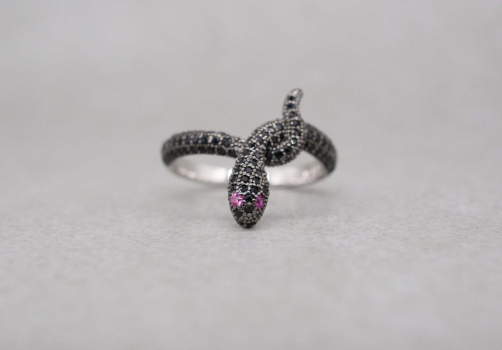 Unusual sterling silver & black spinel snake ring with pink eyes