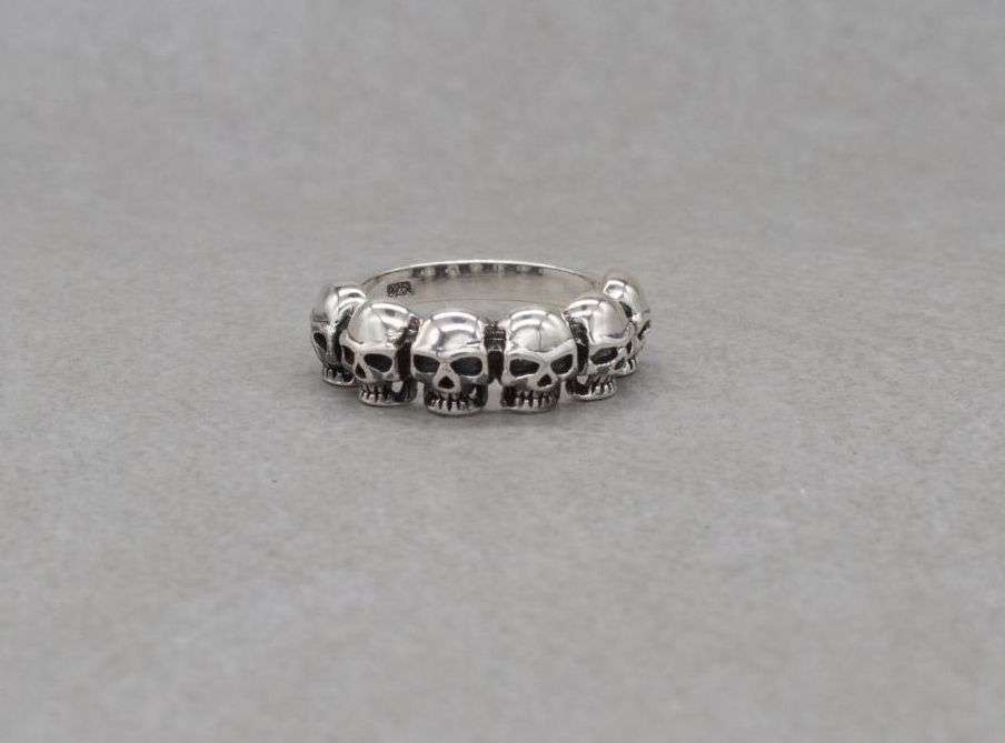 Sterling silver ring with 6 skulls (M 1/2)