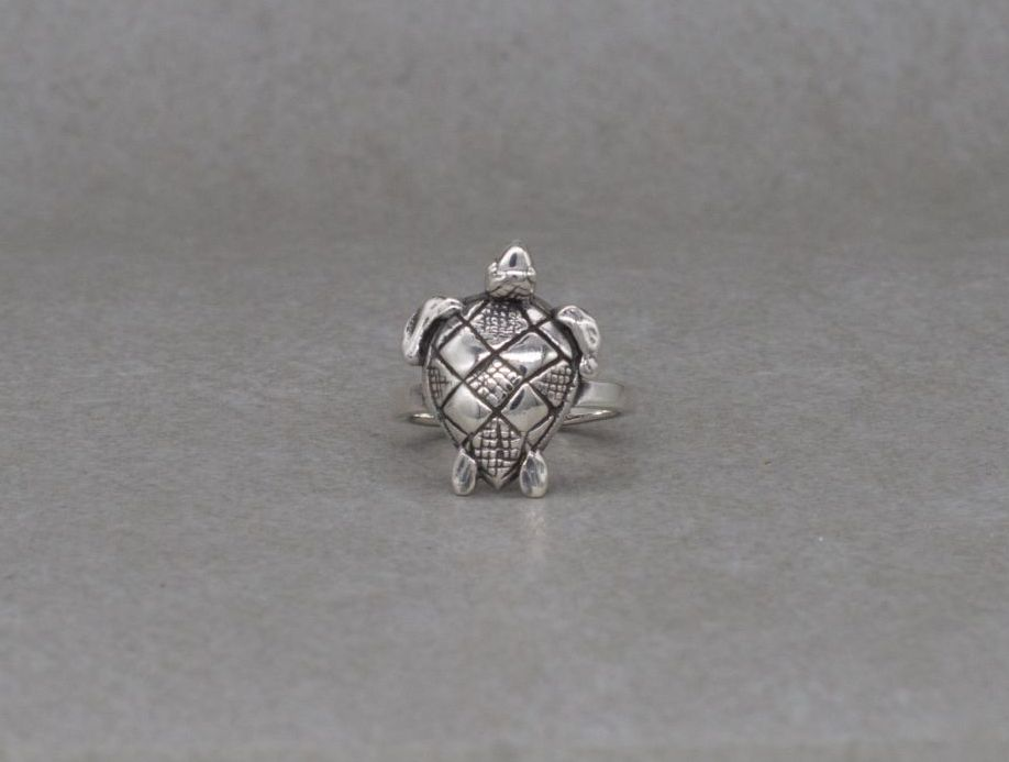 Quirky sterling silver sea turtle ring