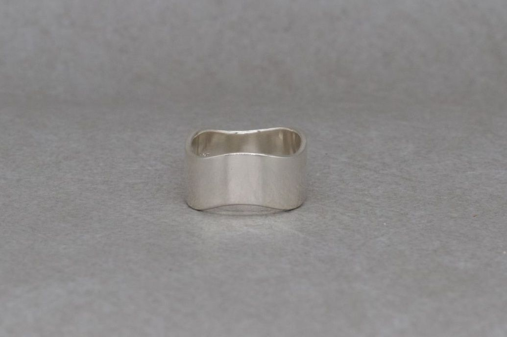 Wide sterling silver wavy / wave band ring