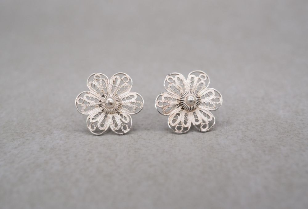 Sterling silver filigree flower head stud earrings