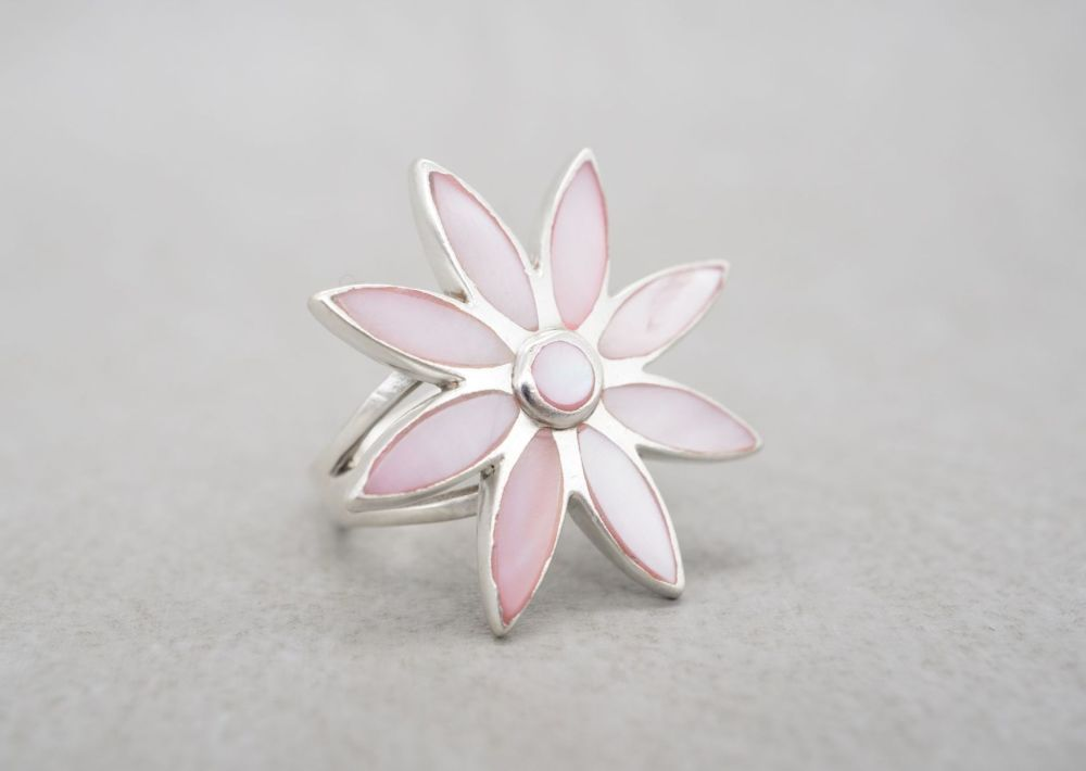 Substantial sterling silver & pink mother of pearl flower head ring