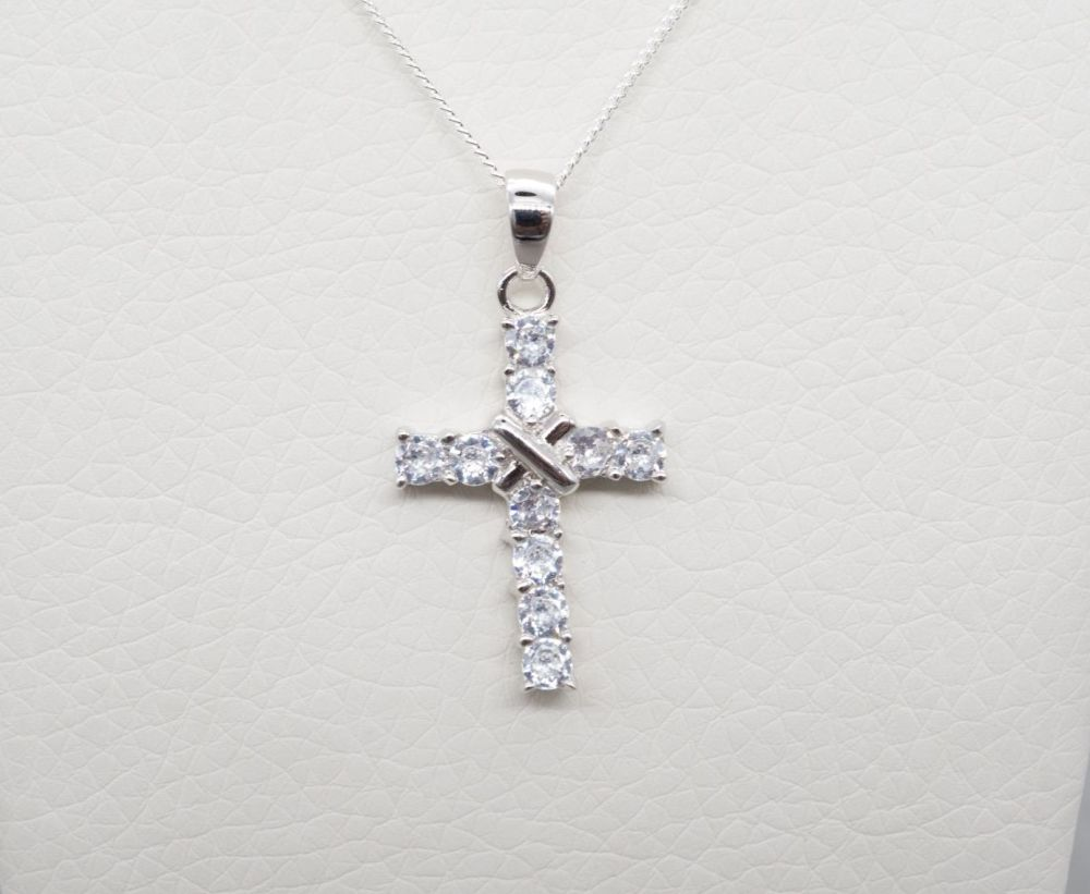 Sterling silver & clear stone cross necklace