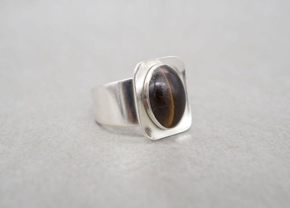Adjustable vintage sterling silver & tiger's eye ring