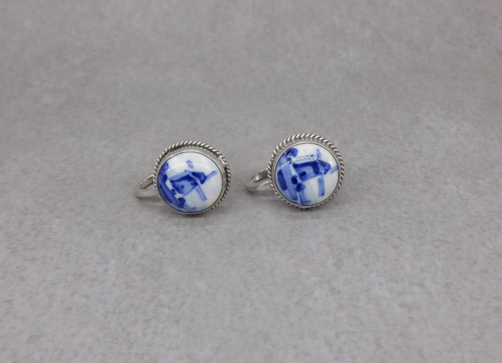 Vintage sterling silver Delft stud earrings with screw-on fastenings