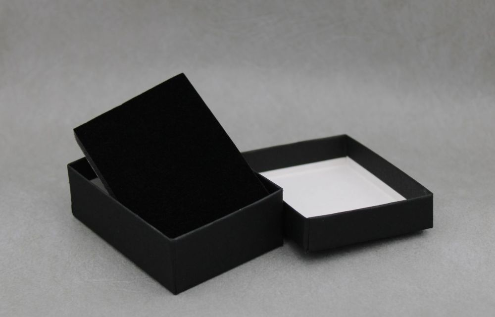 Small necklace / medium earring box