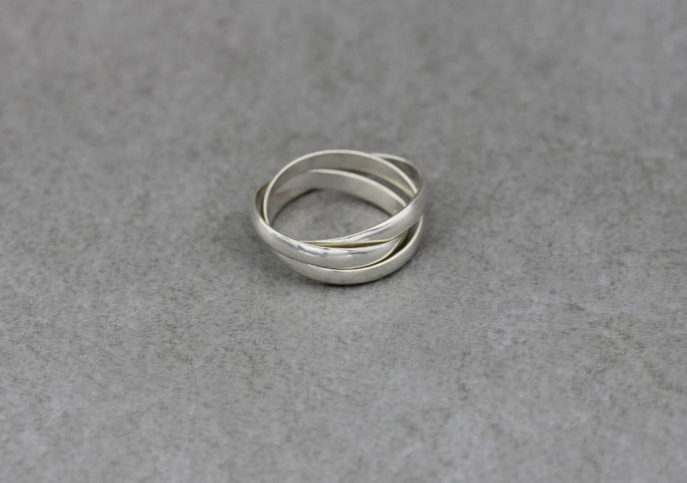 Sterling silver Russian wedding ring (3 interlinked bands)