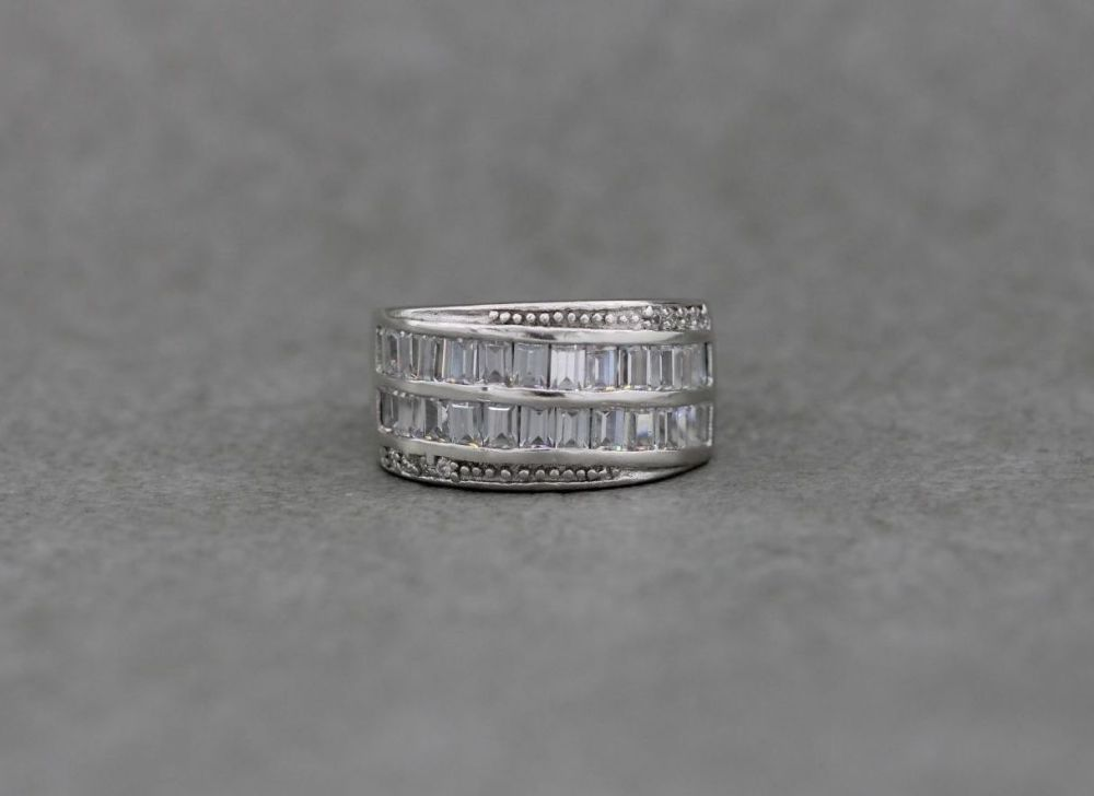 Elegant sterling silver & clear stone cocktail ring
