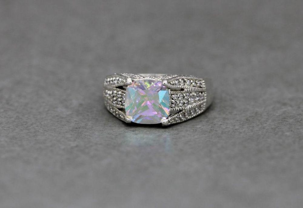 Eye-catching sterling silver ring