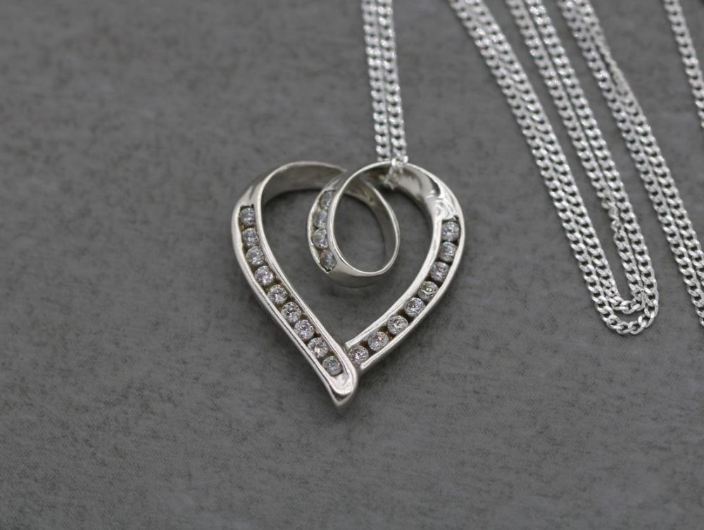 Sterling silver & clear stone heart necklace