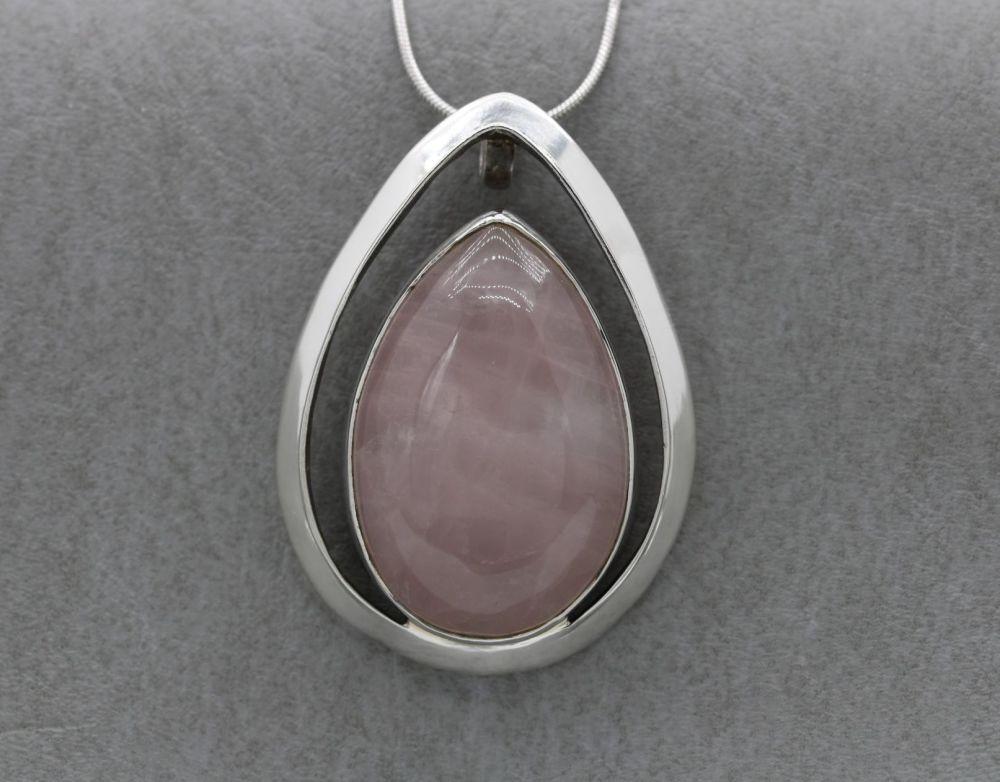 Large sterling silver & rose quartz necklace