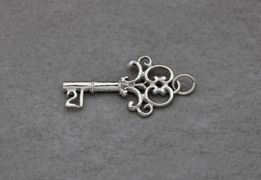 Fancy sterling silver '21' key-to-the-door charm