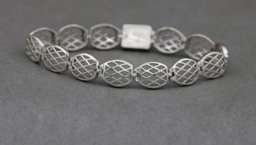 Sterling silver lattice panel bracelet