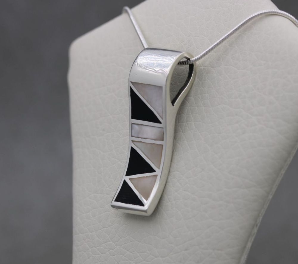 Italian sterling silver, mother of pearl & black onyx necklace