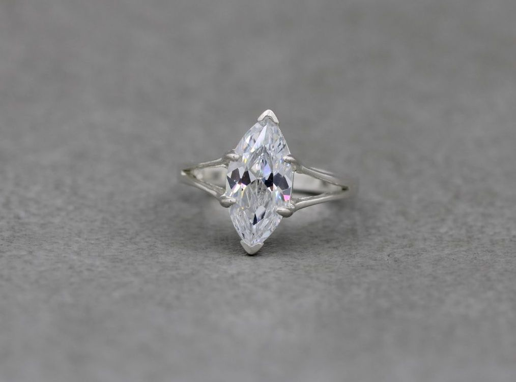 Sterling silver & clear marquise stone solitaire ring