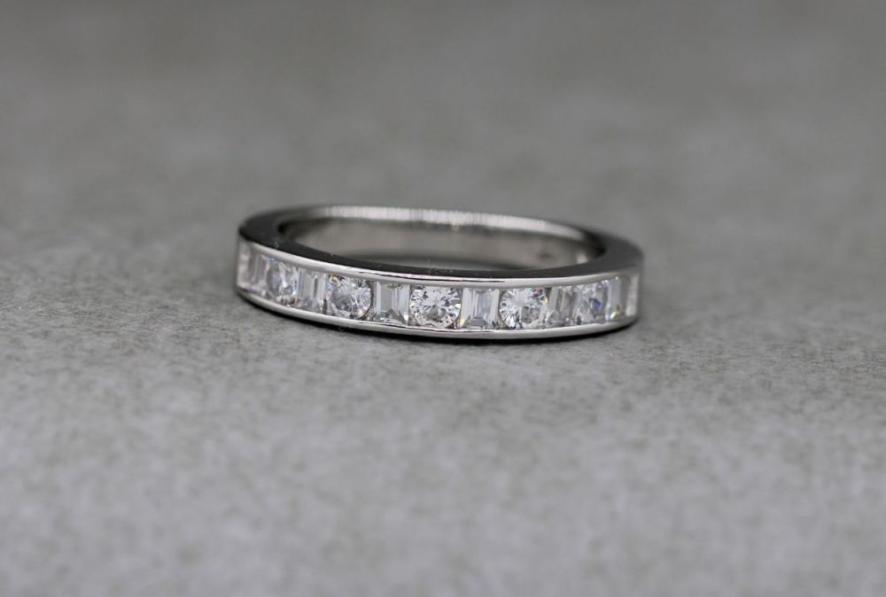Sterling silver ring with classic round & rectangular cut clear stones