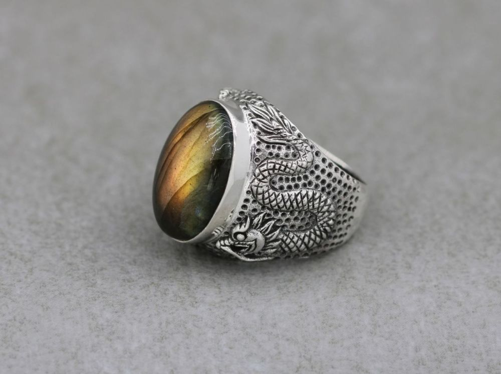 Statement sterling silver & labradorite ring with dragon shoulders