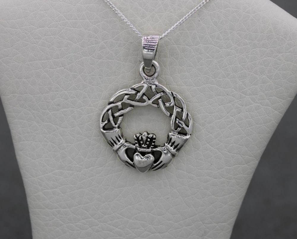 Sterling silver celtic claddagh necklace