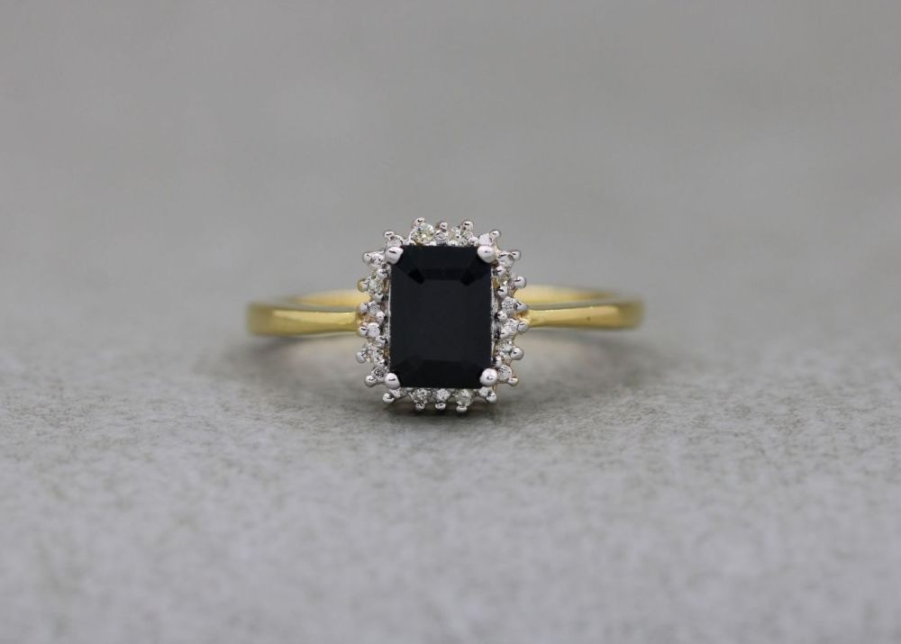 Gold plated sterling silver cluster ring with sapphire & diamonds (size M)