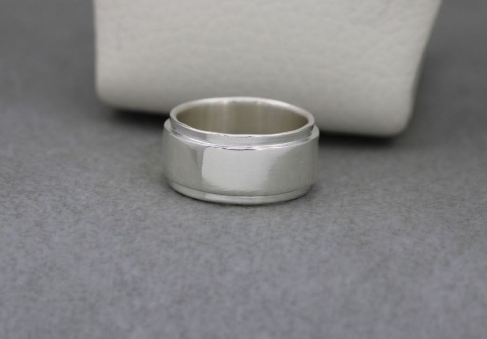 Sterling silver stepped profile wedding band ring