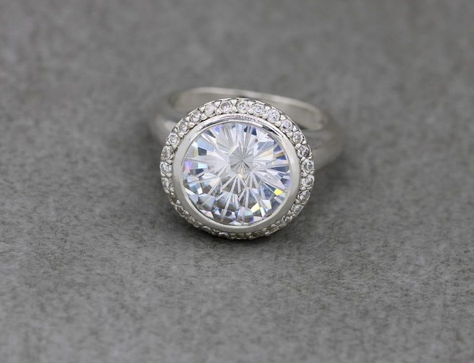 Unusual bold sterling silver & clear stone accented solitaire ring