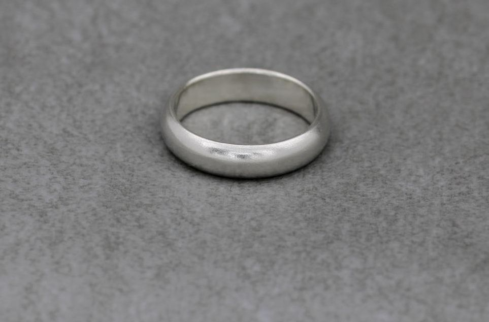 Lightly textured sterling silver 'D' profile wedding band