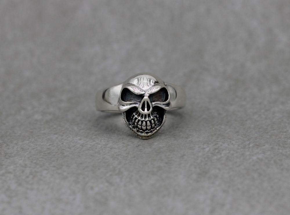Sterling silver skull face ring (L)