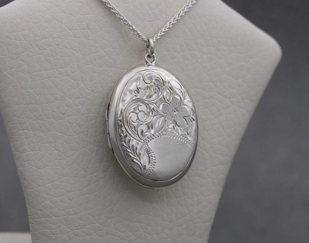 Vintage sterling silver floral engraved locket & chain