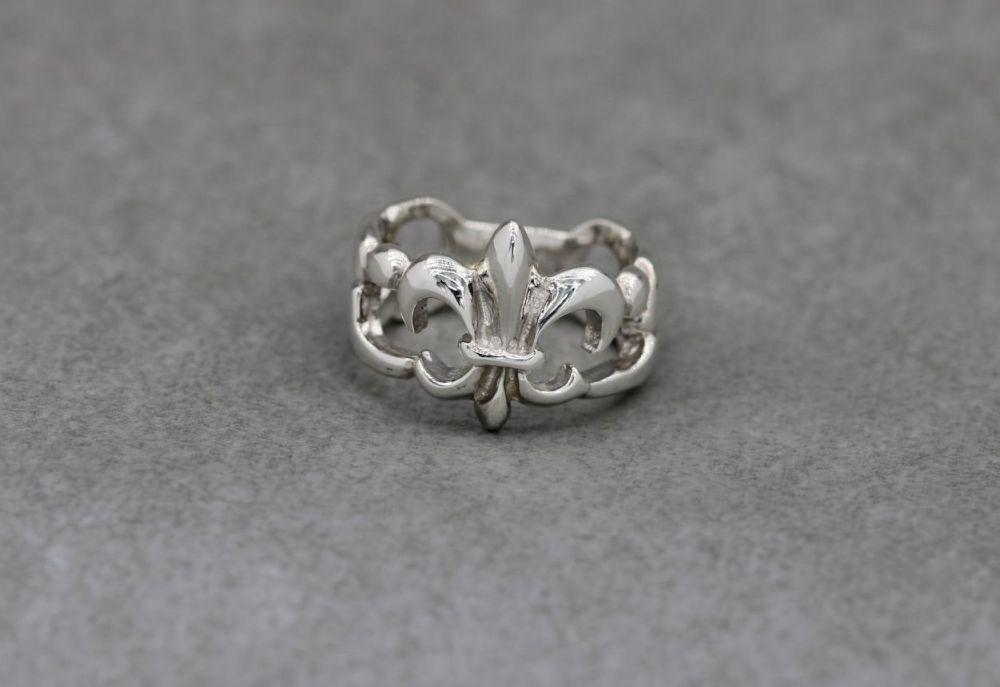 Bold sterling silver fleur-de-lis ring