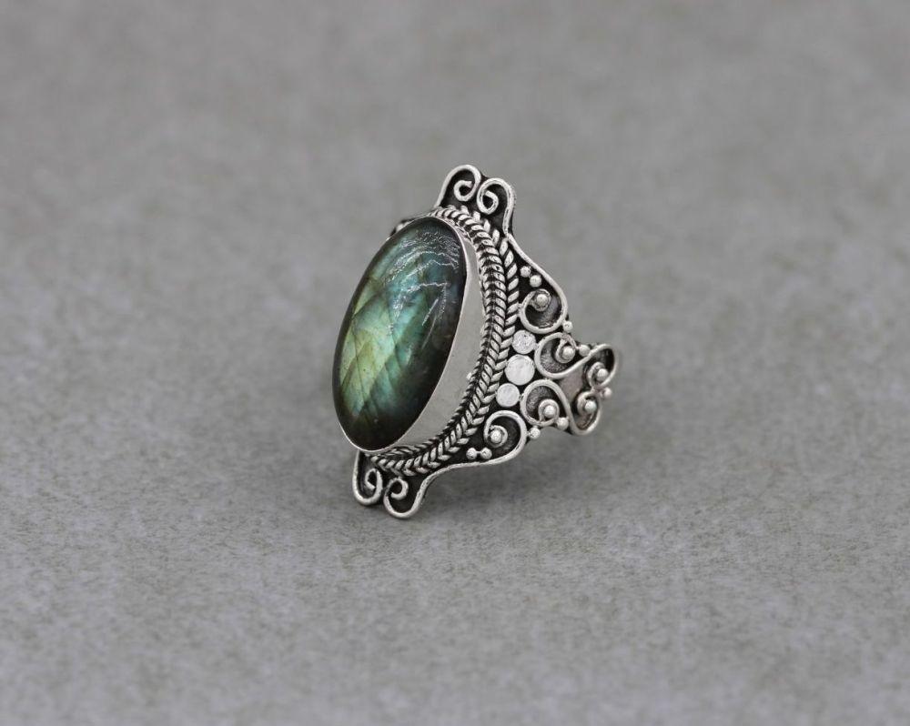 Wide decorative sterling silver & labradorite ring