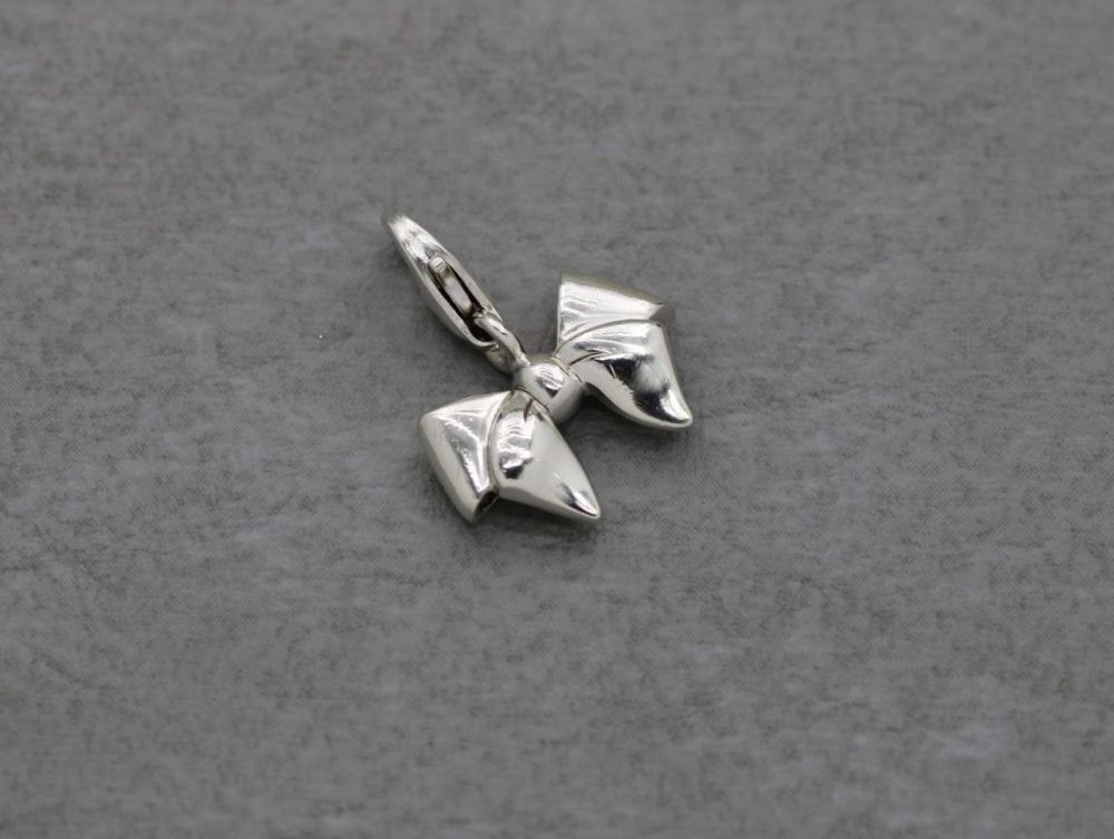 Thomas Sabo sterling silver retired bow charm