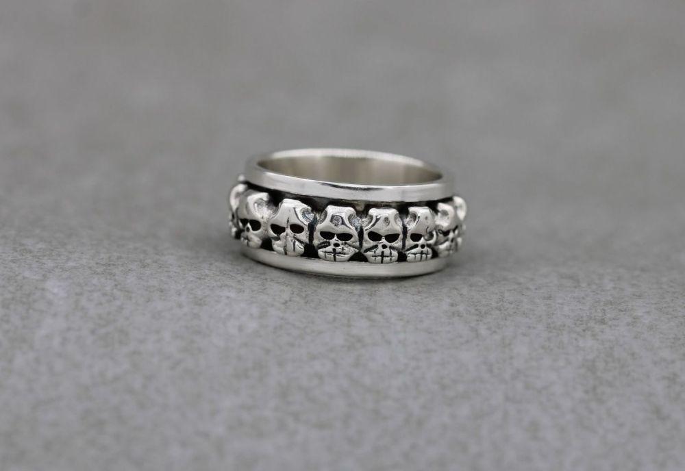 Sterling silver skull spinner ring (O)