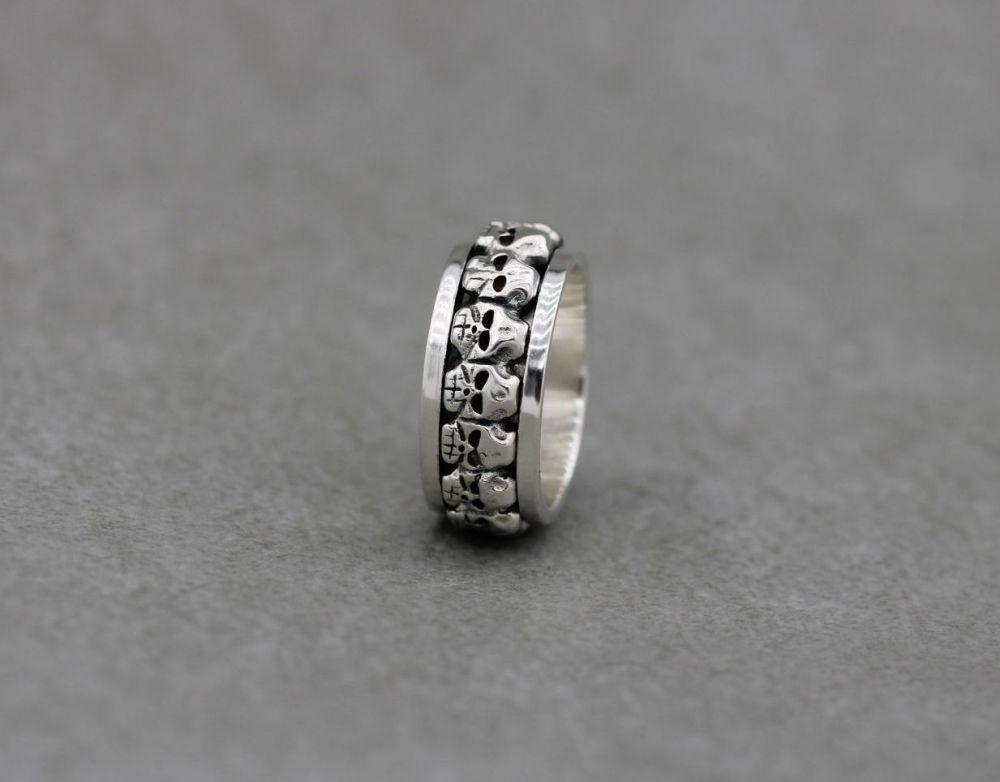 Sterling silver skull spinner ring (M 1/2)