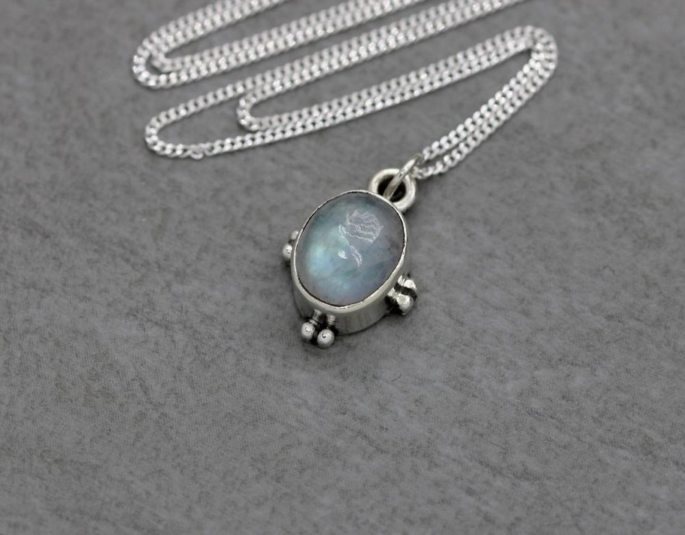 Small sterling silver & moonstone necklace