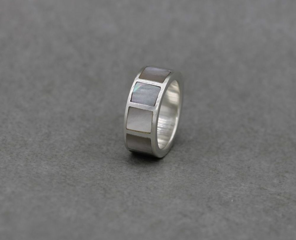 Thick sterling silver & mother of pearl ring