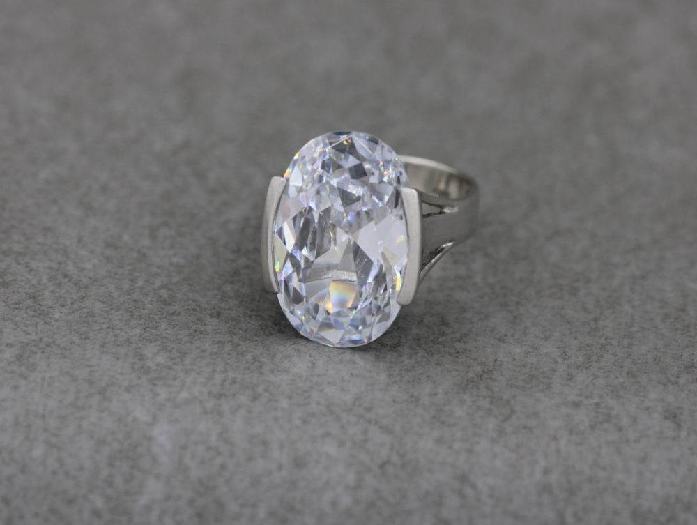 Substantial sterling silver solitaire ring
