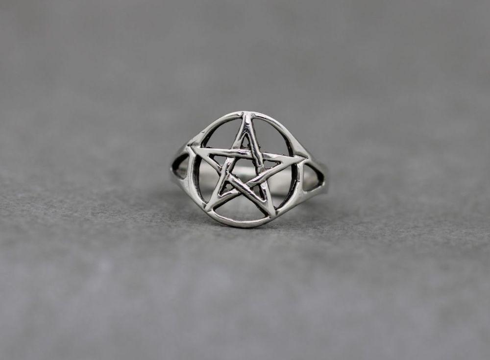 Sterling silver pentagram star ring