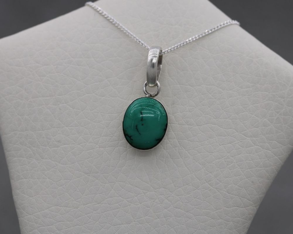 Small sterling silver & turquoise necklace