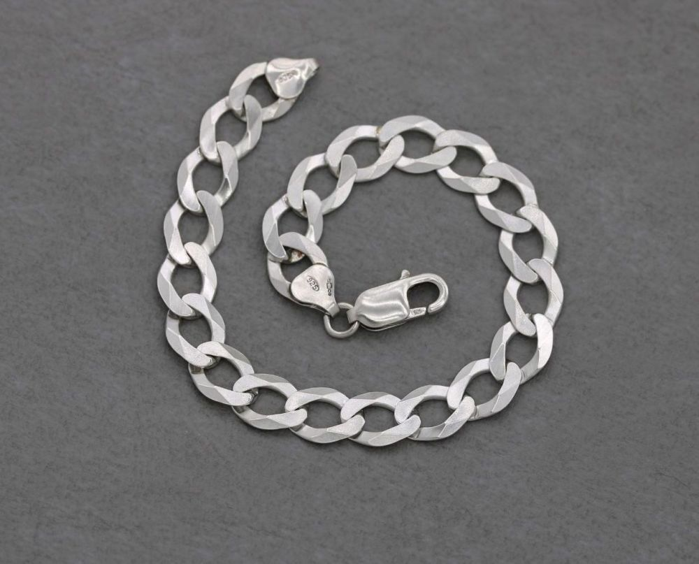 """Flat bevelled edge sterling silver curb chain bracelet (8.5"""", 9mm)"""