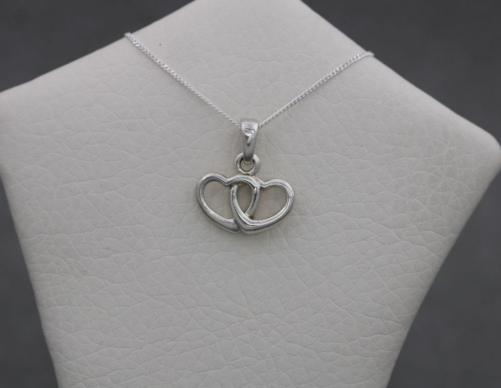 Small sterling silver interlinked hearts necklace