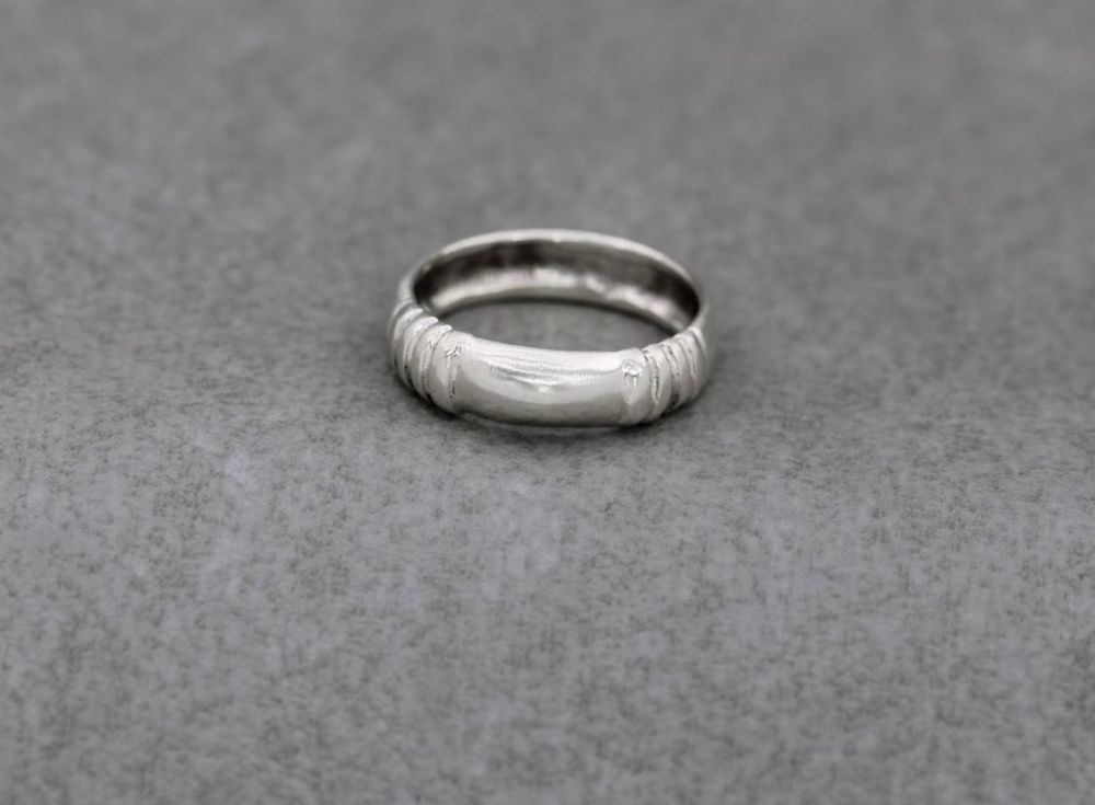 Sterling silver ridged ring